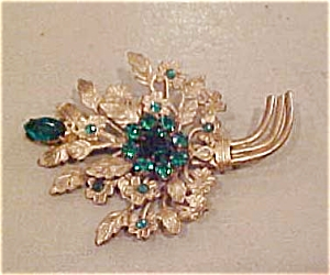 Czechoslovakian pin with green rhinestones (Image1)