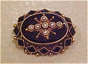 Victorian Pin With Pearls And Onyx