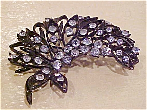 Jappaned metal pin with rhinestones (Image1)