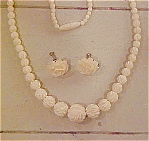 Carved bone earrings & necklace (Image1)