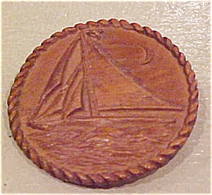 Faux wood sailboat pin (Image1)