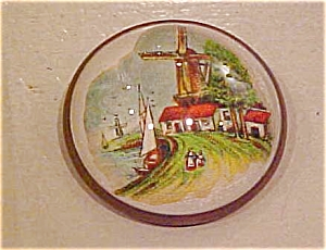 Brooch with dutch scene (Image1)