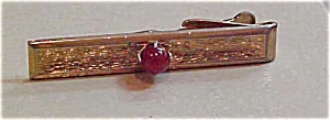 Tie bar with stone (Image1)