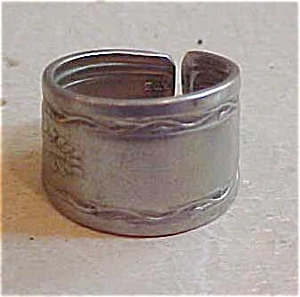 Spoon ring (Image1)