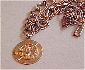 Bracelet with charm that says longlines (Image1)