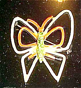 Art enameled butterfly pin (Image1)