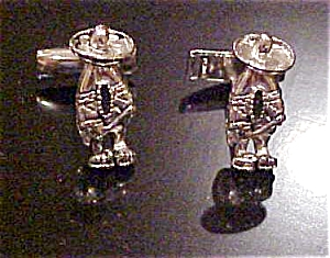 Mexican man cufflinks (Image1)