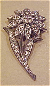 Flower design rhinestone pin (Image1)
