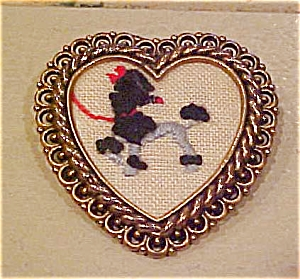 Embroidered poodle pin (Image1)