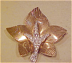 Boucher leaf pin with rhinestones (Image1)
