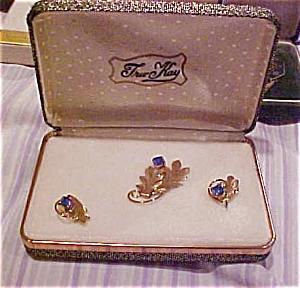 Tru Kay pin and earring set (Image1)