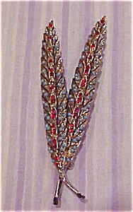 Double leaf pin w/faux turquoise (Image1)