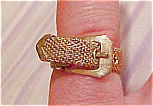 Goldtone mesh buckle ring (Image1)