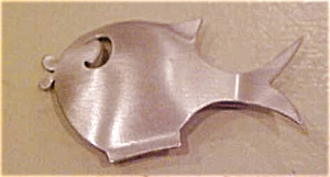 Beaucraft sterling fish pin (Image1)