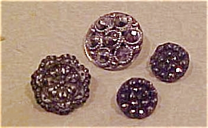 4 Victorian buttons (Image1)