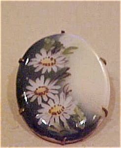 Handpainted porcelain flower design pin (Image1)