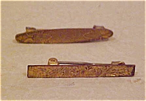 2 victorian lingerie pins (Image1)