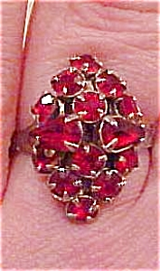 Red rhinestone ring (Image1)