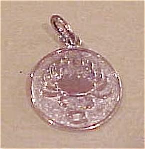 Crab charm (Image1)