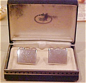 Swank silvertone cufflinks (Image1)