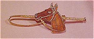 Enameled horse pin (Image1)