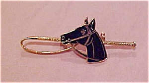 Black enameled horse pin (Image1)