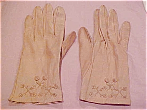 tan leather gloves with flowers (Image1)