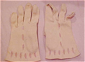 Pink/peach gloves with cutouts (Image1)