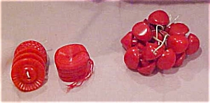 Red plastic buttons (Image1)