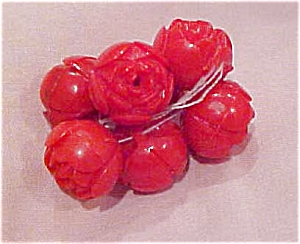 6 red plastic flower buttons (Image1)