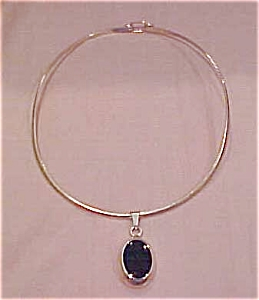 Sterling neckwire with pendant (Image1)