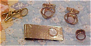 Cufflink,tie bar and tie tack set (Image1)