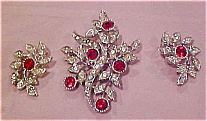 Sarah Coventry pin and earrings set (Image1)