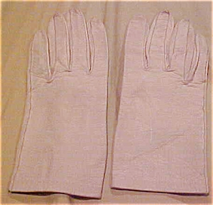 Creme colored leather gloves (Image1)