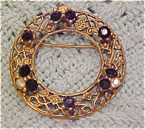 Circle pin with rhinestones (Image1)