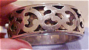 Silvertone hinged bangle (Image1)