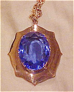 Goldtone pendant with blue stone (Image1)