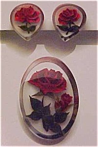 Lucite with embedded rose pin & earrings (Image1)