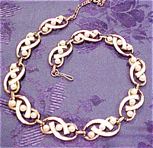 Marboux necklace with faux pearls (Image1)