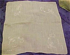 Light green handkerchief w/bow embroidery (Image1)