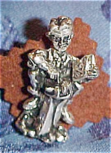 Accountant figural tie tack (Image1)