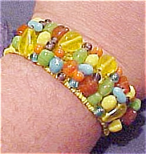Yellow beaded cuff (Image1)