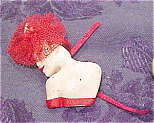 Plastic lady pin with hat (Image1)