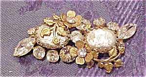 Regency Jewels faux pearl brooch (Image1)
