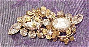 Regency Jewels faux pearl brooch (Image1)