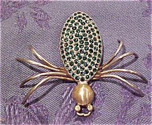 Spider pin with green rhinestones (Image1)
