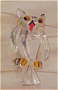 Lucite owl pin (Image1)