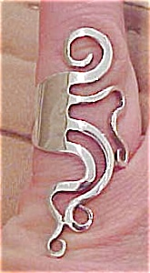 Modern design Sterling ring (Image1)