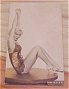 Pin up Postcard (Image1)