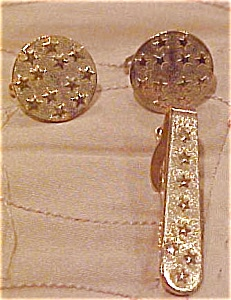 Star design cufflinks and tie bar (Image1)